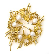 brooch by mikimoto