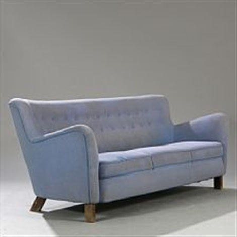 Freestanding Three Seater Sofa With Oval Beech Legs By Fritz Hansen