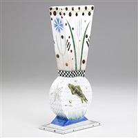 vase by mara superior