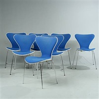 seven chair (model 3107) (set of 14) by arne jacobsen