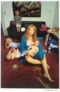 kvinde med 5 børn (woman with 5 children) by per morten abrahamsen