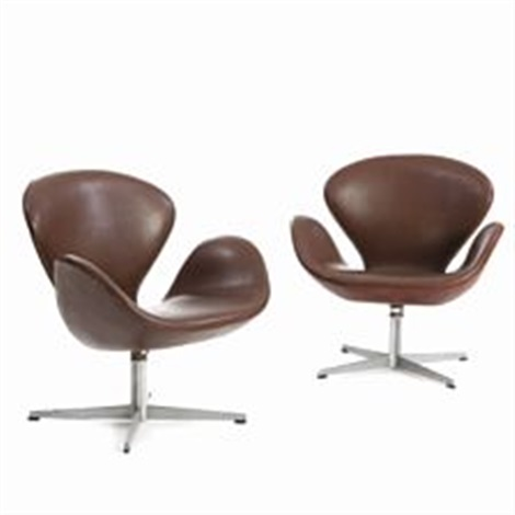 Amazing Swan Chair Pair Of Swivel Chairs By Arne Jacobsen On Artnet Bralicious Painted Fabric Chair Ideas Braliciousco