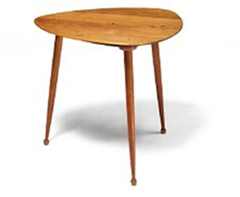 Coffee Table With Triangular Nutwood Top Rounded Edges Circular Inlayonogram