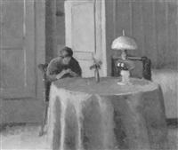 interieur mit strickender frau am tisch by leo steck