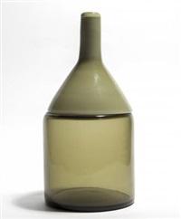 una bottiglia della serie omaggio a morandi by toni zuccheri
