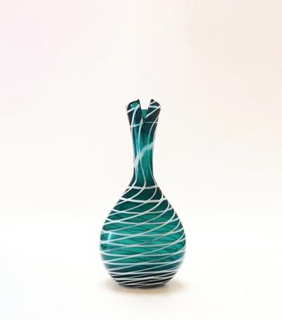 un vaso rete modello 4229 del catalogo rosso by fulvio bianconi