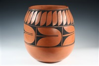 santa domingo pueblo pot by vidal aguilar