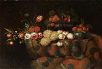 grosses blumen- und früchtestillleben auf einer tischplatte mit teppich by francesco fieravino (il maltese)