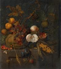 stillleben mit früchten und maiskolben, schnecken, schmetterling undlibelle by jan mortel