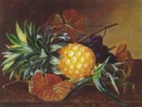 opstilling med ananas og druer på en stenkarm by l. hintze