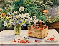 kirsebær i en kurv og sommerblomster i en glasvase på et bord by olga aleksandrovna (princess of storfyrstinde)