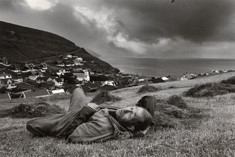 resting faroe islands by ragnar axelsson rax