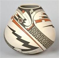 vase by juan quezada
