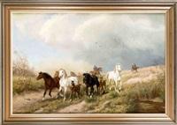 eine herde von wildpferden in weiter landschaft, die von bauern zusammengetrieben wird by ludwig benno fay