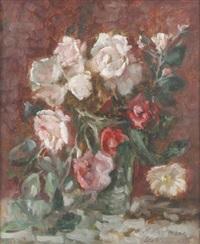 stilleben mit rosé- und rotblühenden rosen in einer glasvase by oskar hagemann