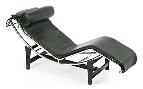 Chaise longue basculante by le corbusier and charlotte for Chaise longue basculante