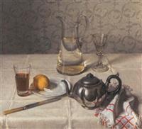 opstilling på bord med kande, glas og citron by wilhelm andersen