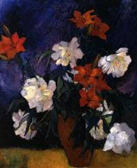 weiße pfingstrosen und feuerlilien by gustl (auguste) meyer