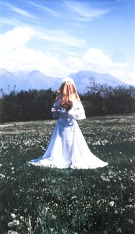 the bride, sposa tra gli alberi by erzen shkololli
