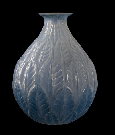 vase malesherbes by rené lalique