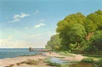 nordsjællandsk kystparti med badehus ved stranden by ellen margrethe jensen