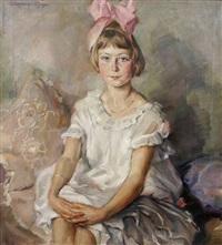 sitzendes mädchen in weißem kleid und rosa haarschleife by werner von pigage