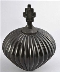 small lidded ribbed melon jar by nancy youngblood