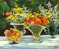 brogede sommerblomster i glasvaser samt abrikoser i en skål på et bord i haven by olga aleksandrovna (princess of storfyrstinde)