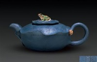 荷叶青蛙紫砂壶 by ji yishun