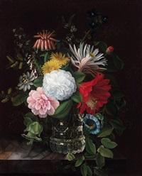 herbstblumenstrauß in einer glasvase by friedrich wilhelm freydanck