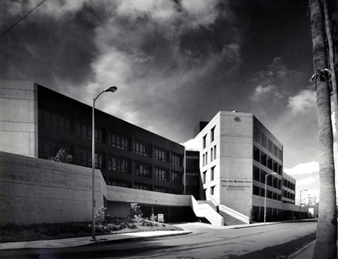 cadar sinai mental hospital by julius shulman