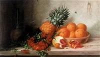 stilleben mit ornagen, ananas und fuchsienblüten, chiantiflasche und insekt by alfrida baadsgaard