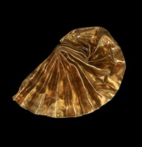 gold luster by lynda benglis