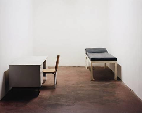 stuhl tisch und liege by ricarda roggan