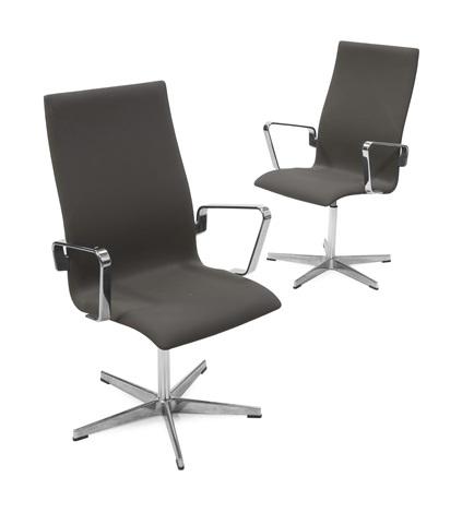 oxford sedie su supporto girevole pair by arne jacobsen