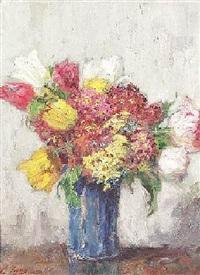 blumenstilleben mit tulpen in einer blauen vase by karl von fischer