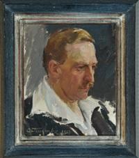 portrait eines herren im 3/4-profil nach rechts by jan autengruber