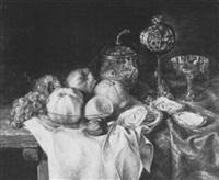 variastilleben mit obst, austern, walnuß und verzierten glasgefäßen by hermann gottlieb kricheldorf