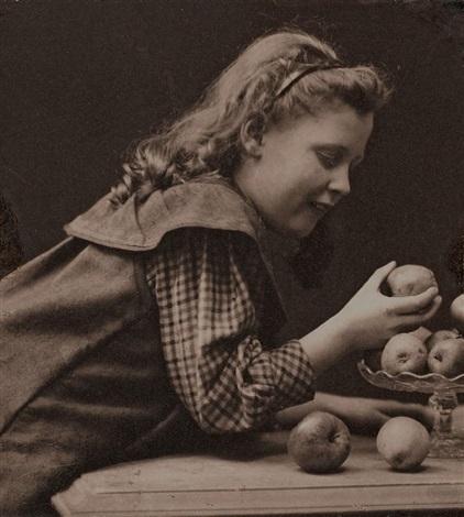 ohne titel mädchen mit äpfeln by rudolph duhrkoop