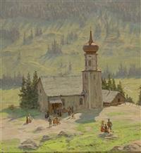 blick von leichter anhöhe auf malerische dorfkirche (im bregenzerwald?) und zahlreiche kirchgänger by hans dieter