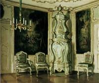 schloßinterieur mit großem barockem keramikofen, kronleuchter und großen wandtapisserien by istvan zador