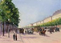die champs-elysées mit zahlreichen promenierenden und automobilen an einem sommertag by gernot rasenberger