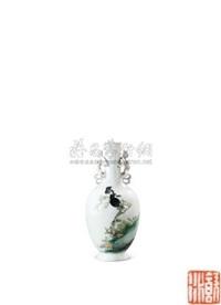 八哥螭龙耳瓶 (porcelain vase) by liu yucen