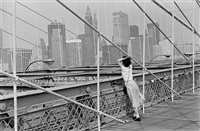 new york, le pont de brooklyn by edouard boubat