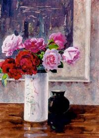 rosenstrauß in zylindrischer art-déco-vase by fritz ernst rentsch