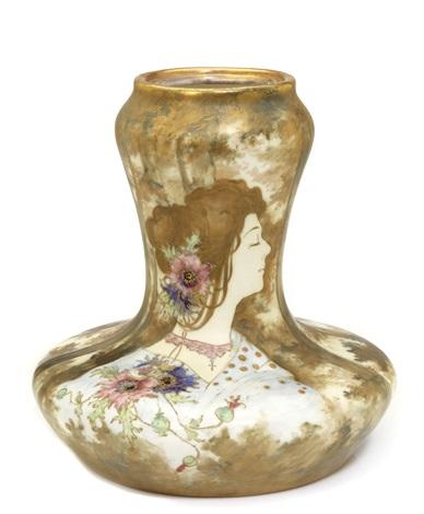 portrait lamp base produced by amphora werke reissner