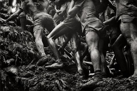 brasil gold mines serra pelada by sebastião salgado