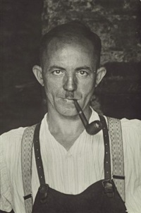 blacksmith / farmer from the rheinhöhen (aegidienberg) (2 works) by august sander