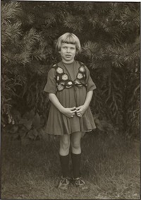 portrait of a girl (karin biow) by august sander