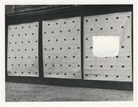 information. une photo d'un travail. une empreinte de pinceau n50 by niele toroni